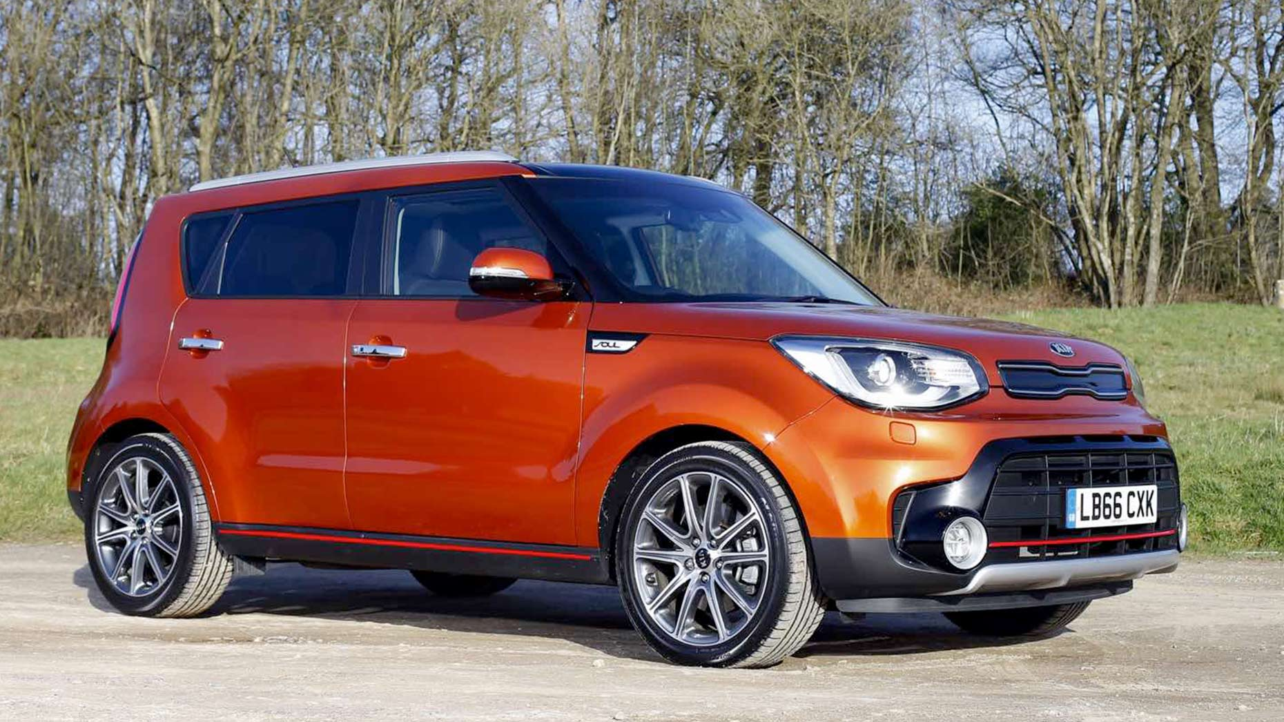 test drive five minutes with a kia soul sport. Black Bedroom Furniture Sets. Home Design Ideas